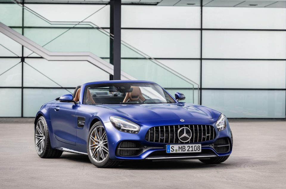 Mercedes's amazing AMG-GT receives a facelift and gets us all a bit excited